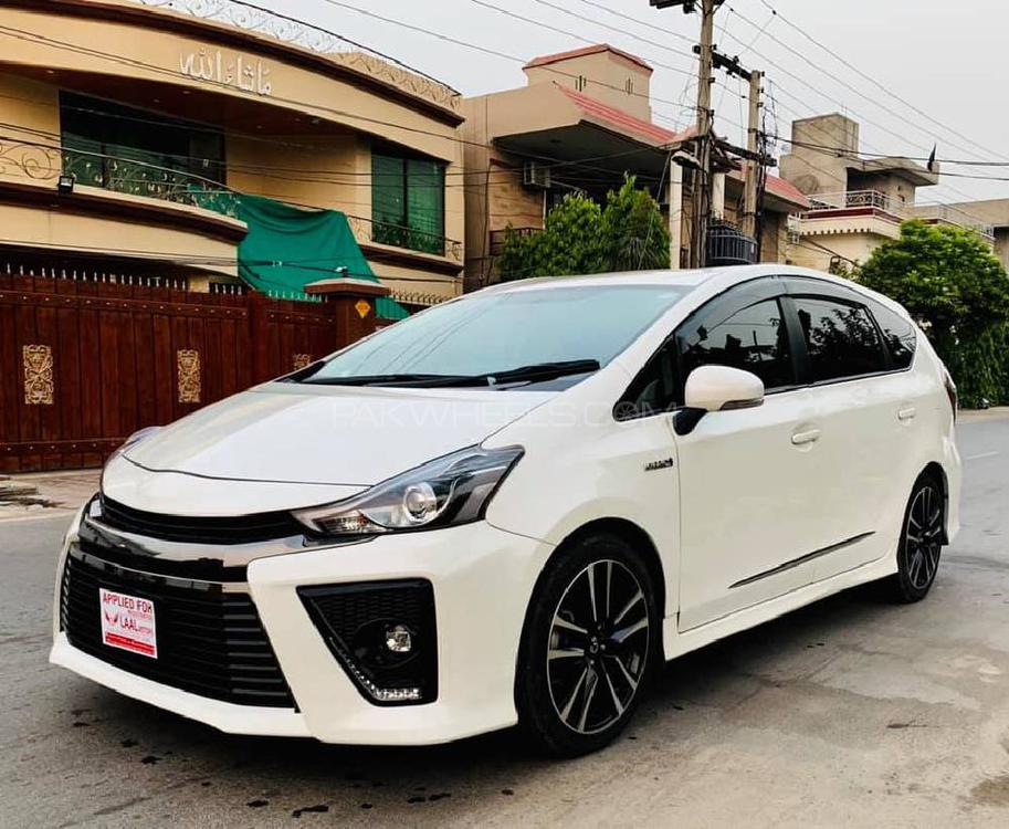 Toyota Prius Alpha S Touring Selection GR Sport 2015 Image-1