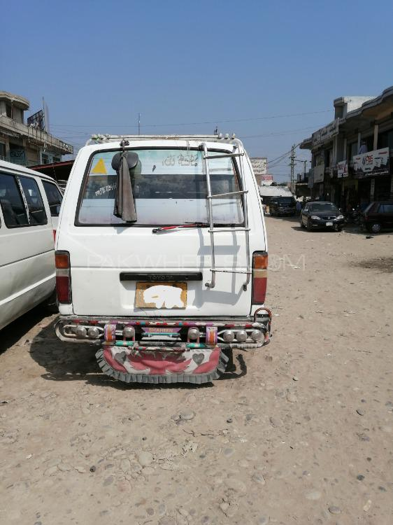 Toyota Hiace 1988 Image-1
