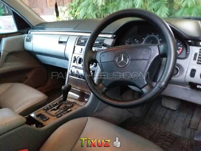 Mercedes Benz E Class E280 1999 Image-1
