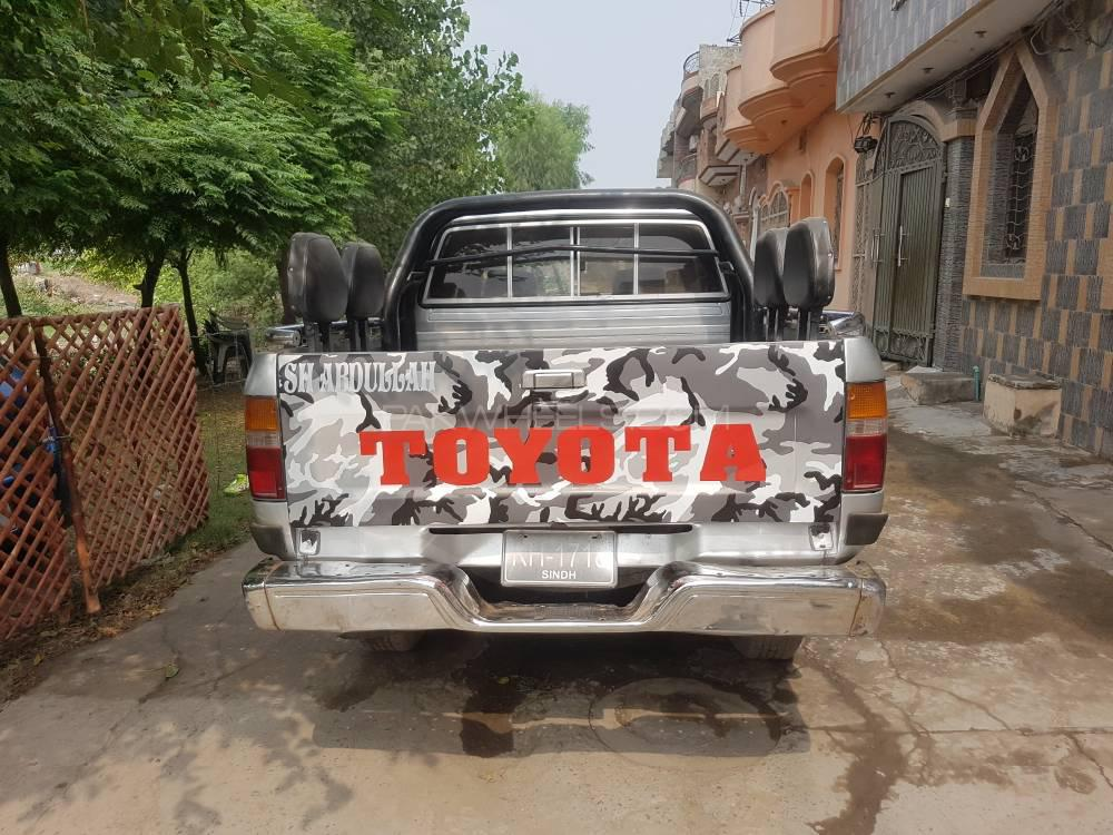 Toyota Hilux Double Cab 1998 Image-1