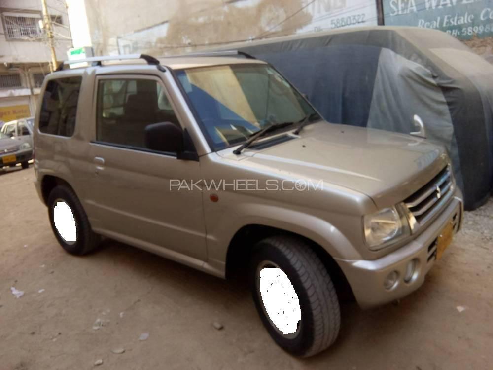 Mitsubishi Pajero Mini ZR 2001 Image-1