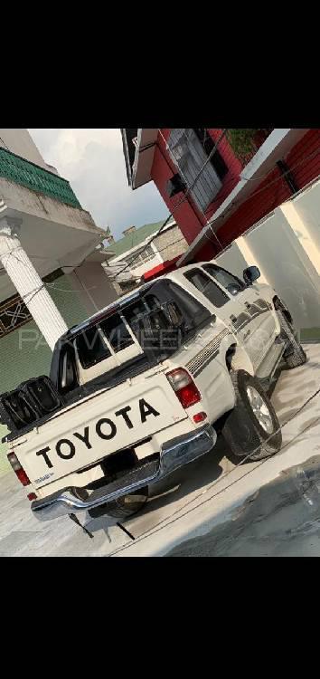 Toyota Pickup 2004 Image-1