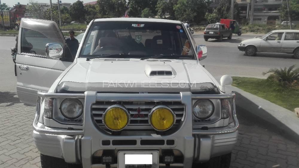 Mitsubishi Pajero - 1994  Image-1