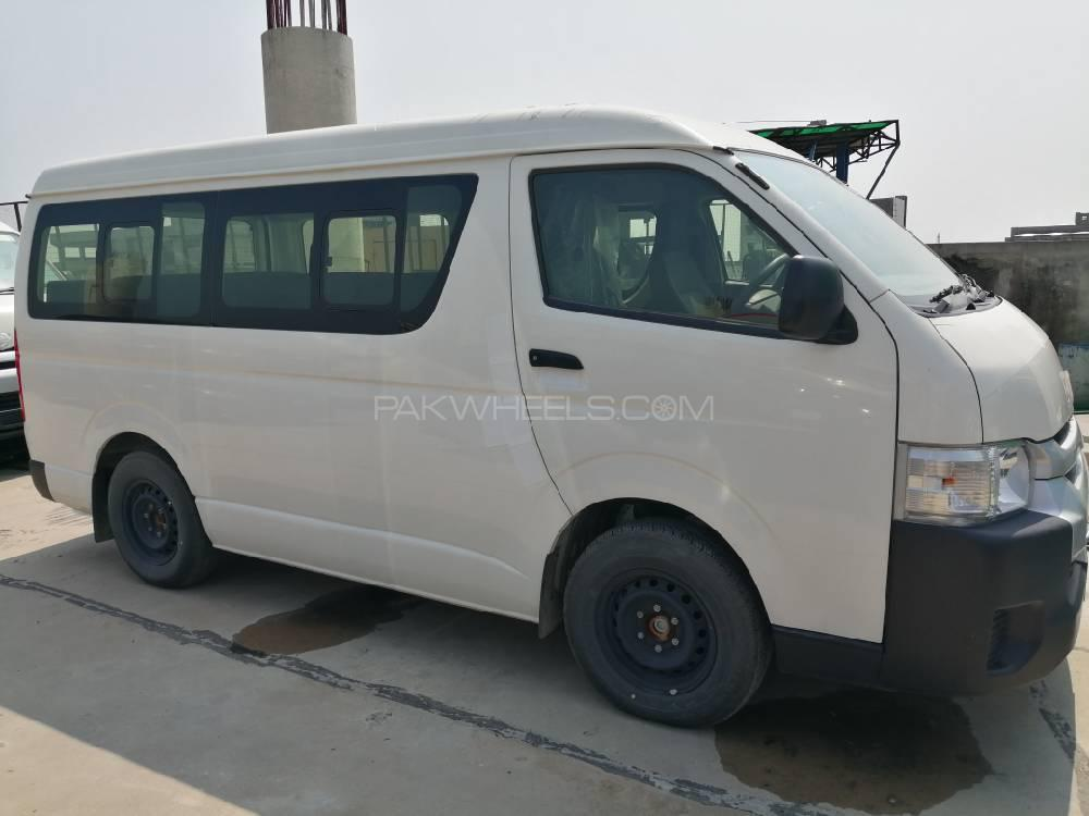 Toyota Hiace Mid-Roof 2.7 2019 Image-1