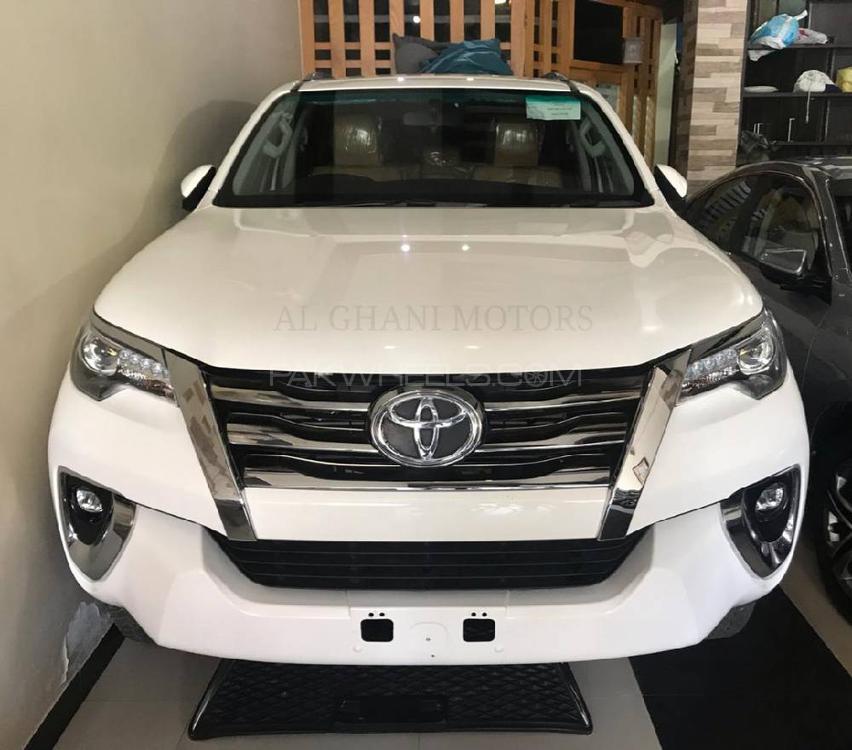 Toyota Fortuner 2.8 Sigma 4 2018 Image-1