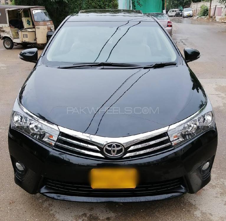 Toyota Corolla Altis CVT-i 1.8 2015 Image-1