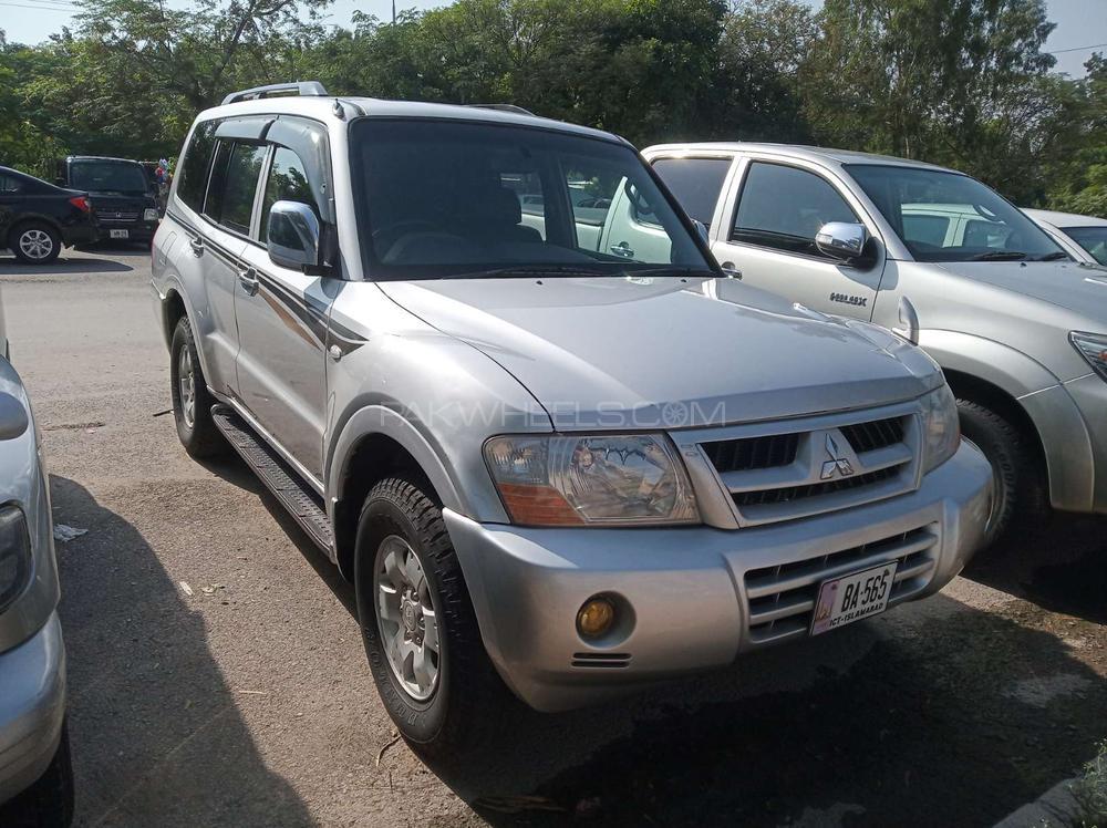 Mitsubishi Pajero 2003 Image-1
