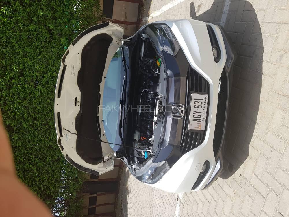 Honda Vezel Hybrid X 2016 Image-1