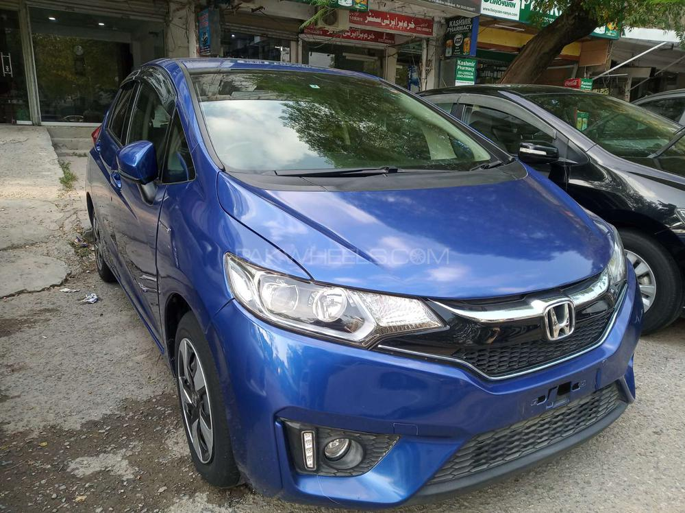 Honda Fit 1.5 Hybrid F Package 2017 Image-1