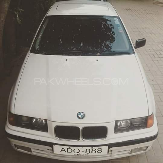 BMW 3 Series 320i 1993 Image-1