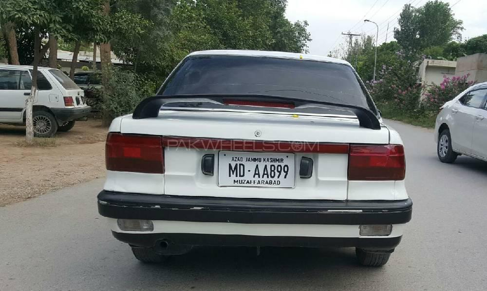 Mitsubishi Lancer GL 1991 Image-1