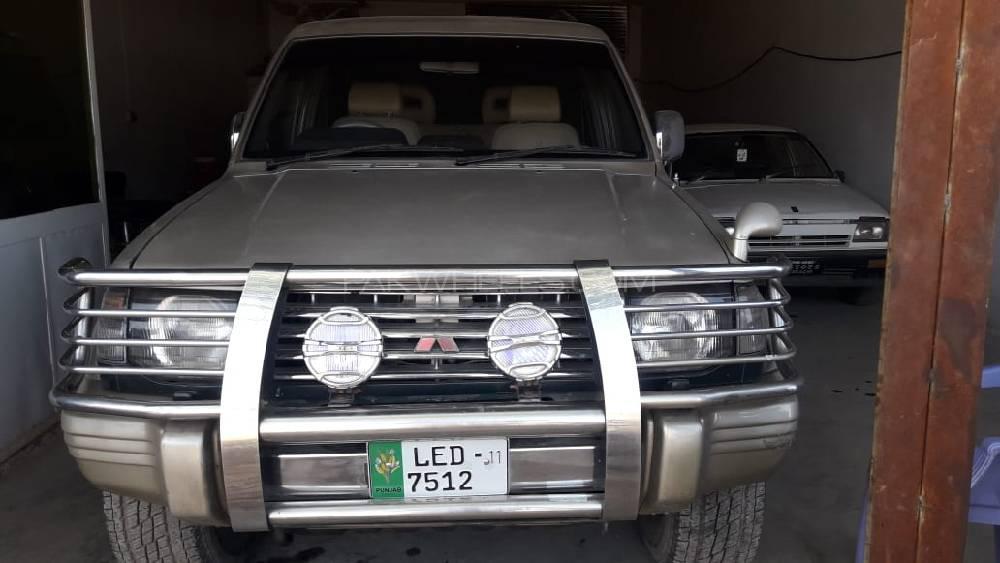 Mitsubishi Pajero Evolution 1991 Image-1