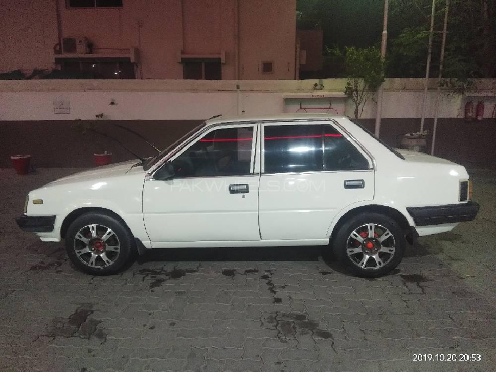 Nissan Sunny EX Saloon 1.3 (CNG) 1985 Image-1