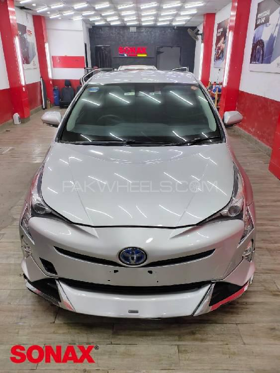 Toyota Prius G LED Edition 1.8 2015 Image-1