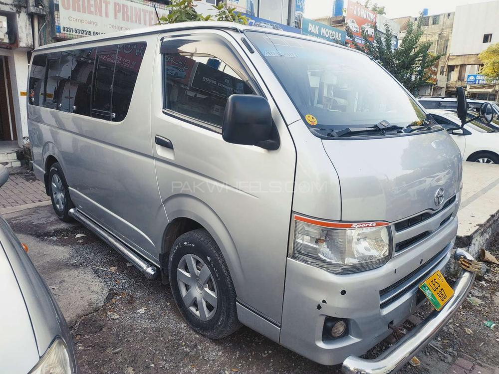 Toyota Hiace Standard 2.5 2011 Image-1