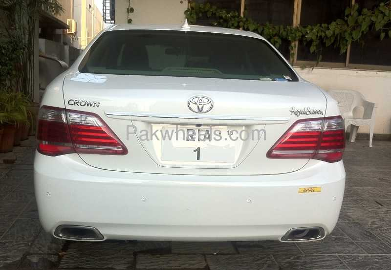 Toyota Crown Royal Saloon G 2011 Image-4