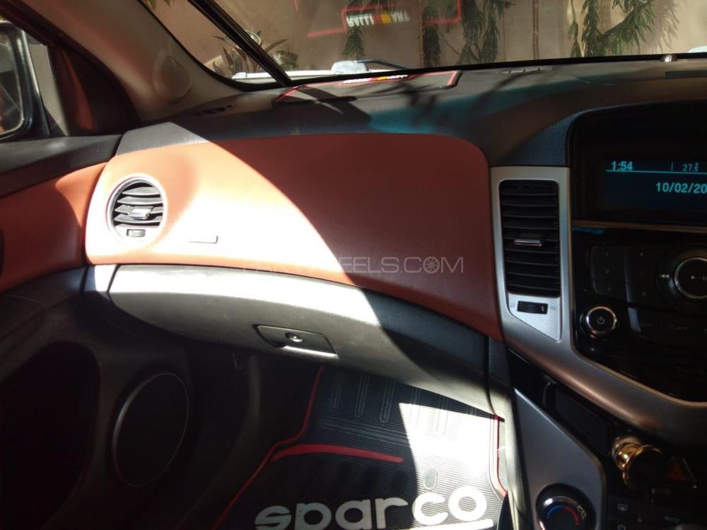 Chevrolet Cruze 2012 Image-1