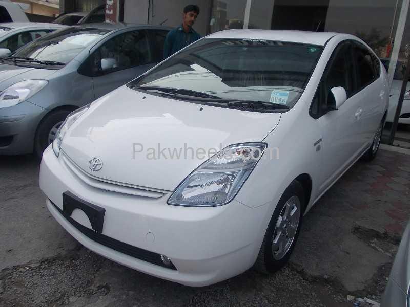 Toyota Prius 2010 Image-2
