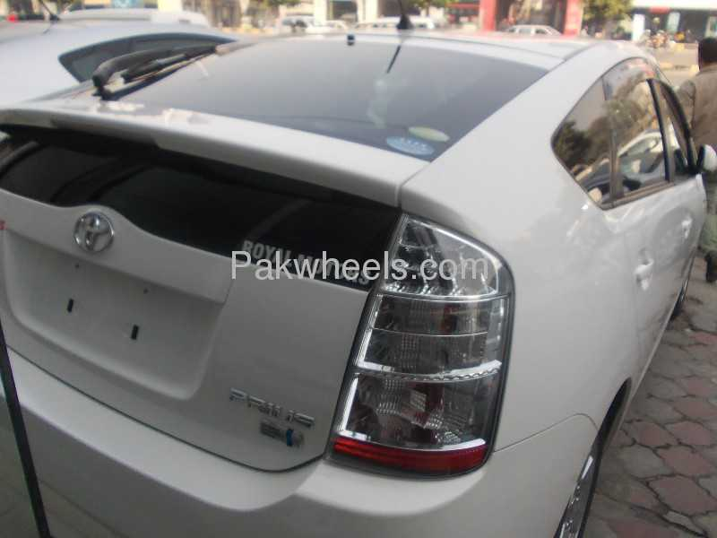 Toyota Prius 2010 Image-6