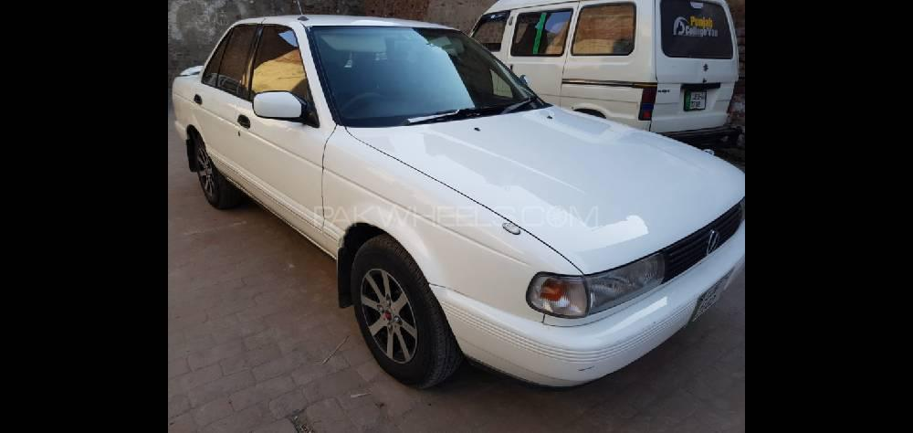 Nissan Sunny Super Saloon 1.6 1990 Image-1