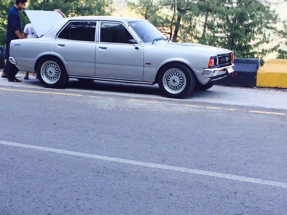 Toyota Corona - 1975  Image-1
