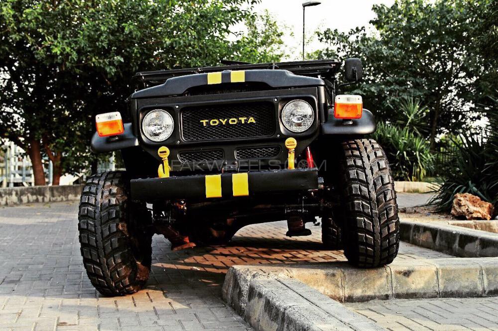 Toyota Land Cruiser - 1986  Image-1