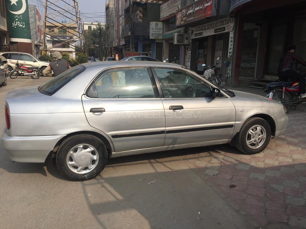 Suzuki Baleno GLi 2003 Image-1