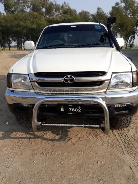 Toyota Pickup 2003 Image-1