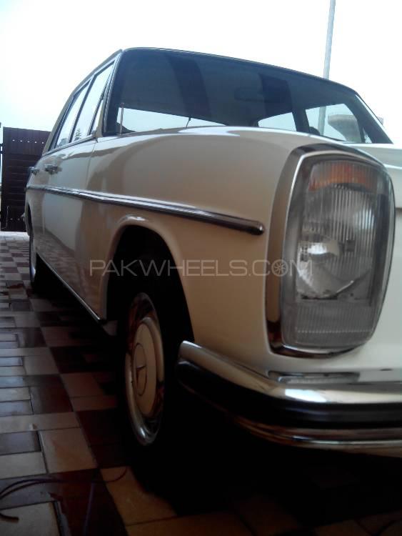 Mercedes Benz C Class - 1970  Image-1