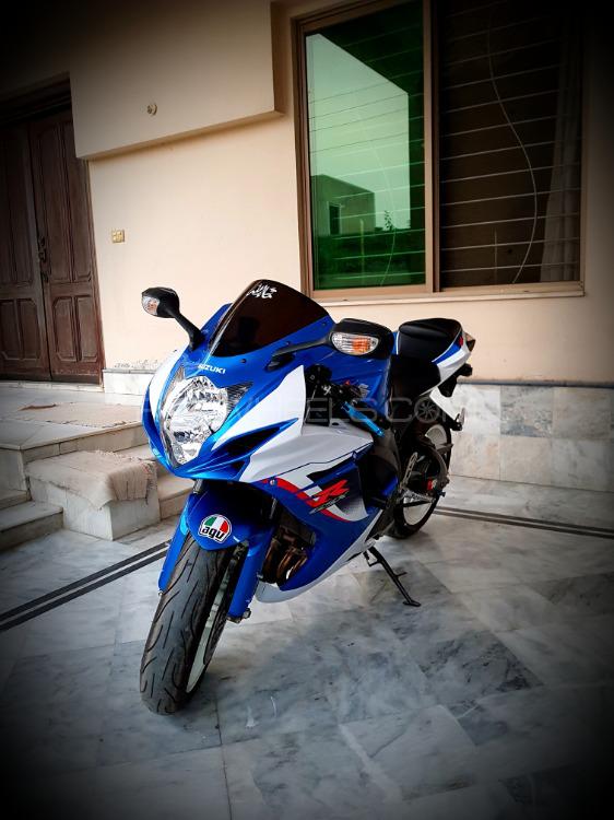 Suzuki GSX-R600 - 2013  Image-1