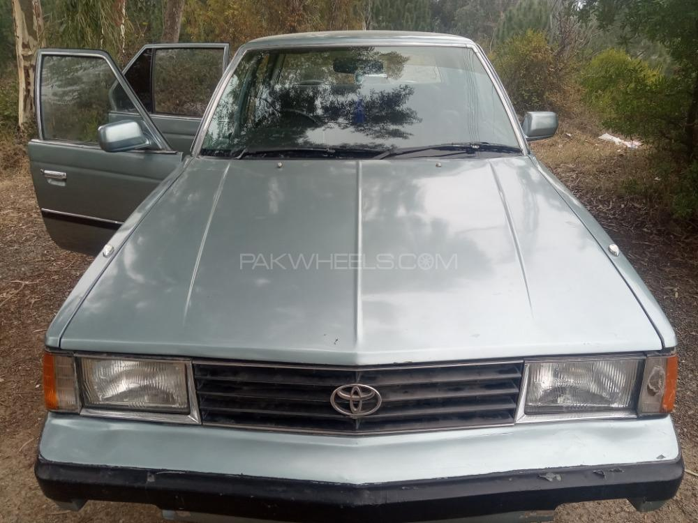 Toyota Corona EX Saloon 1983 Image-1