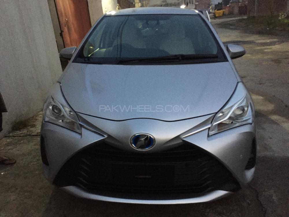 Toyota Vitz F 1.5 2018 Image-1