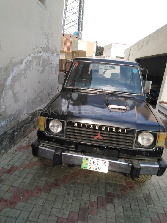 Mitsubishi Pajero 1984 Image-1