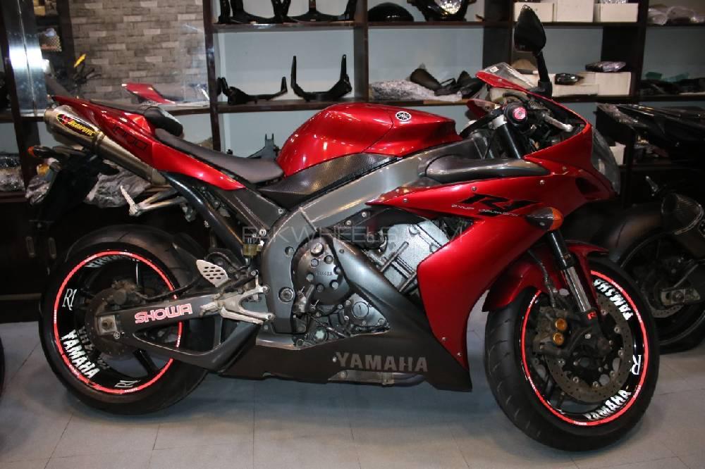 Yamaha FZ1 2005 Image-1