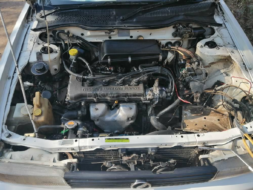 Nissan Sunny EX Saloon 1.6 (CNG) 1990 Image-1