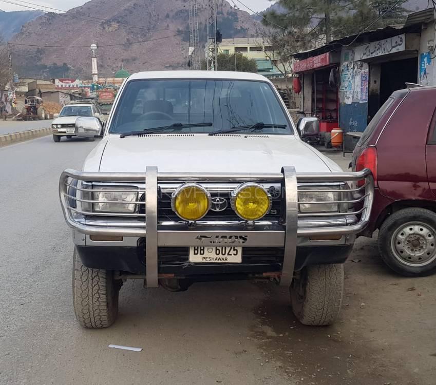 Toyota Hilux 4x4 D/C (Up Spec) 1993 Image-1