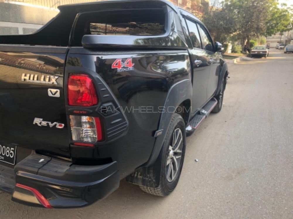 Toyota Hilux - 2018  Image-1