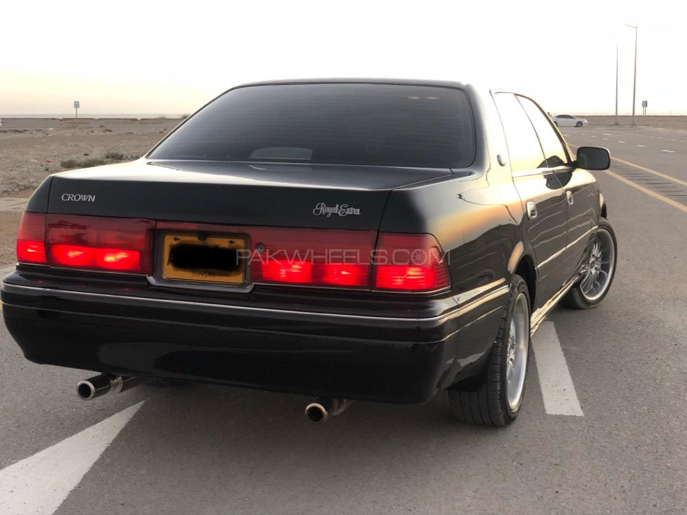 Toyota Crown - 1996  Image-1