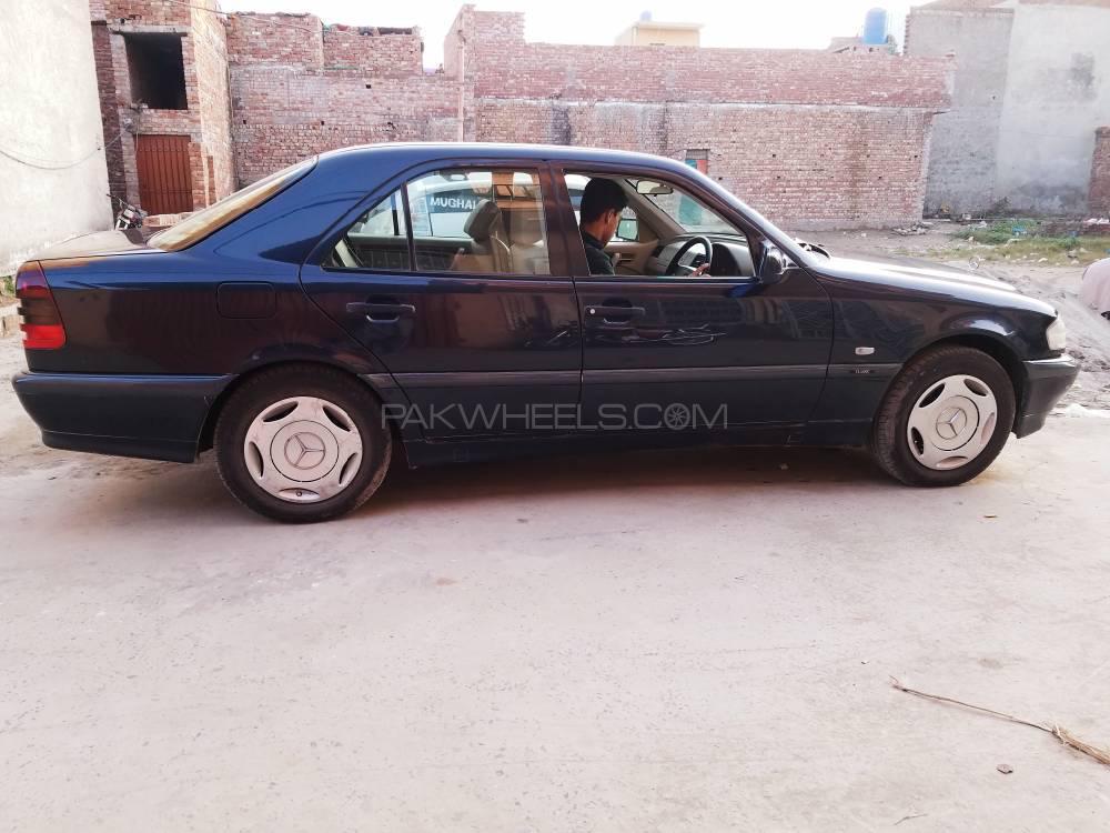 Mercedes Benz C Class C180 2000 Image-1