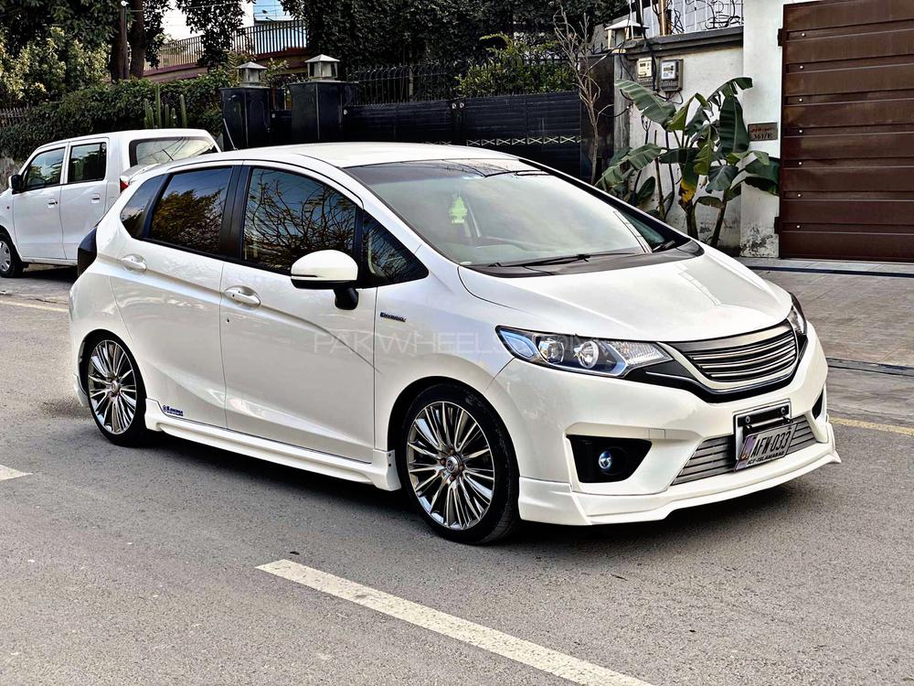 Honda Fit RS 2014 Image-1