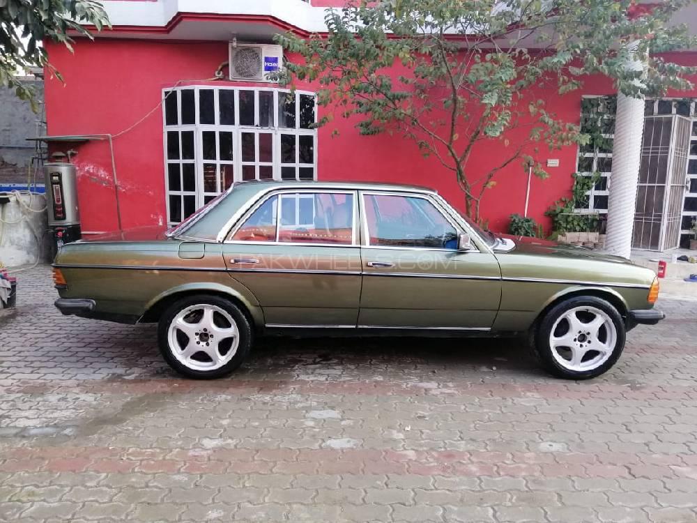 Mercedes Benz D Series - 1984 Mercedes Image-1