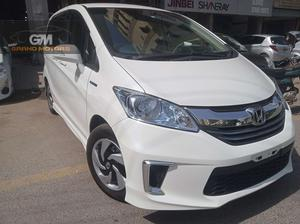 7 seater. import 2020 Inside out fully original. Engine in pristine condition. New tires installed recently. In showroom condition.. Price is slightly negotiable. Petrol driven, CNG never installed. Recently imported. Non accidental. Call/SMS in office hours only.