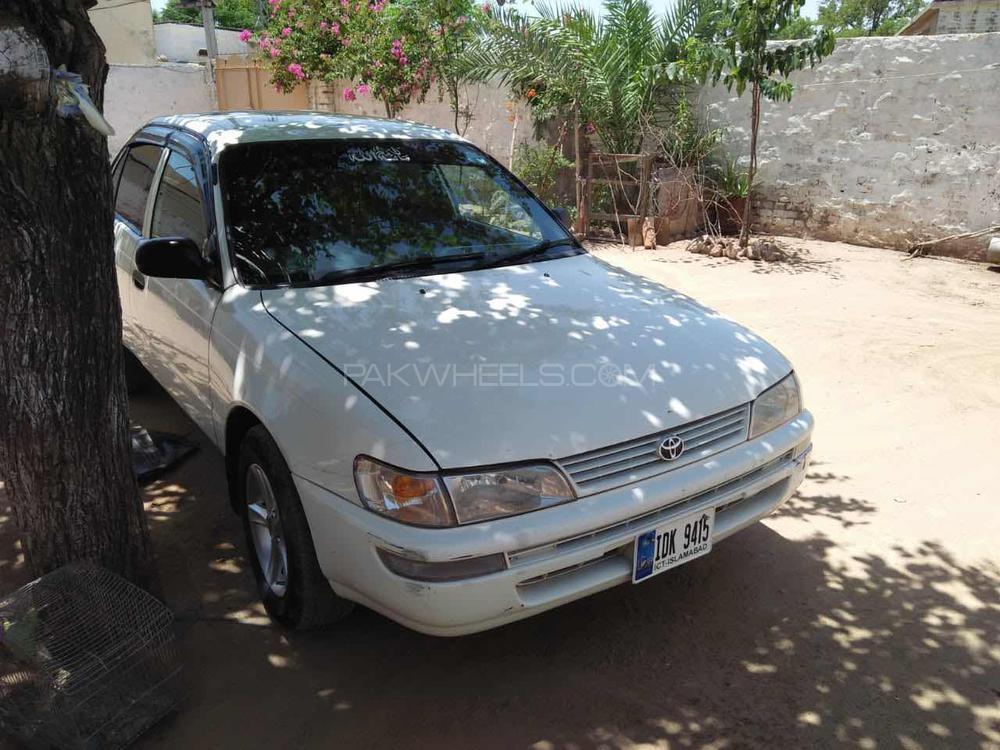 Toyota Corolla - 2001 2D Image-1
