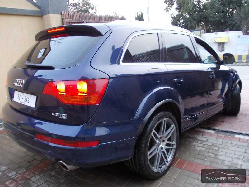used audi q7 2010 car for sale in islamabad 782125 pakwheels. Black Bedroom Furniture Sets. Home Design Ideas