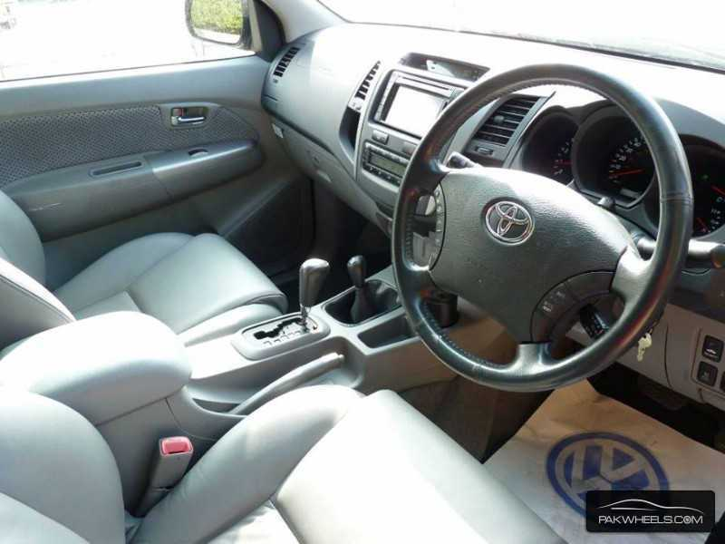 Used Toyota Hilux Vigo Champ G 2010 Car for sale in Mirpur ...