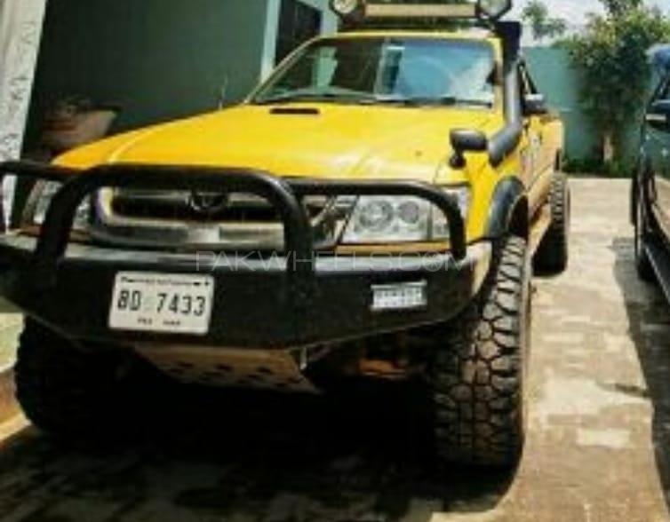 Toyota Hilux - 2004  Image-1