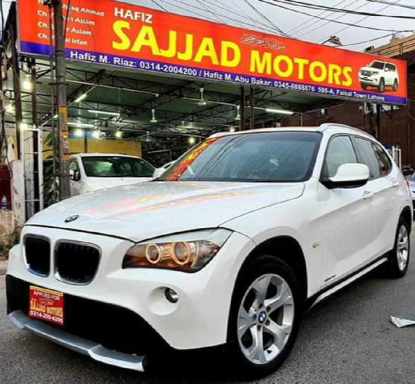 BMW X1 2011 Image-1