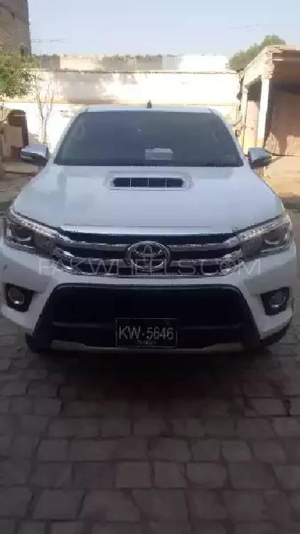 Toyota Hilux Revo G Automatic 3.0  2017 Image-1