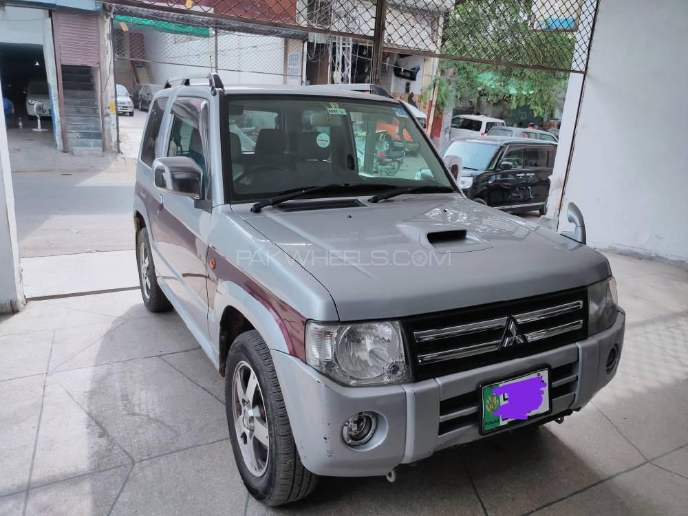 Mitsubishi Pajero Mini 2011 Image-1