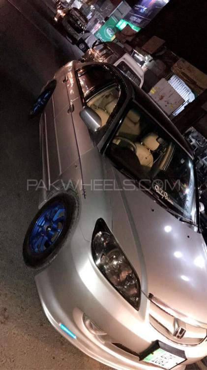 Honda Civic - 2004  Image-1